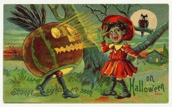 vintage-halloween-scared-girl-owl-pumpkin-card
